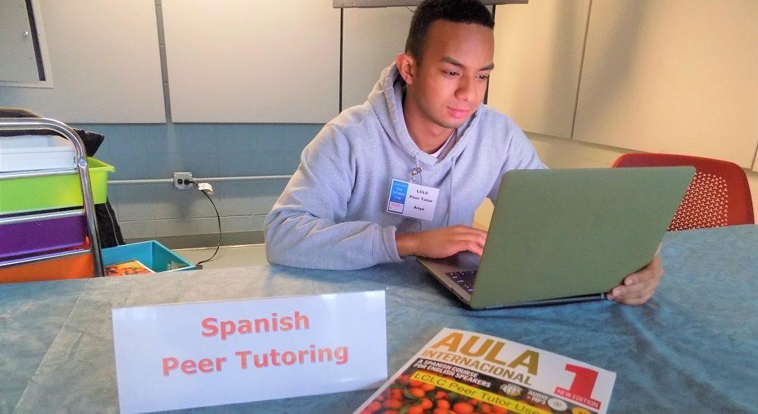 Spanish Peer Tutor at work