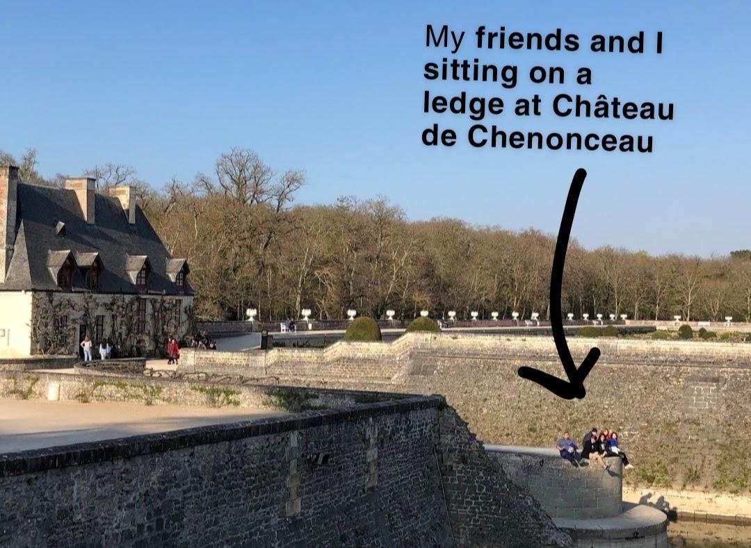 Lars with friends at Château de Chenonceau